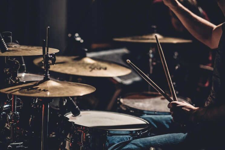 playing-drums-benefits