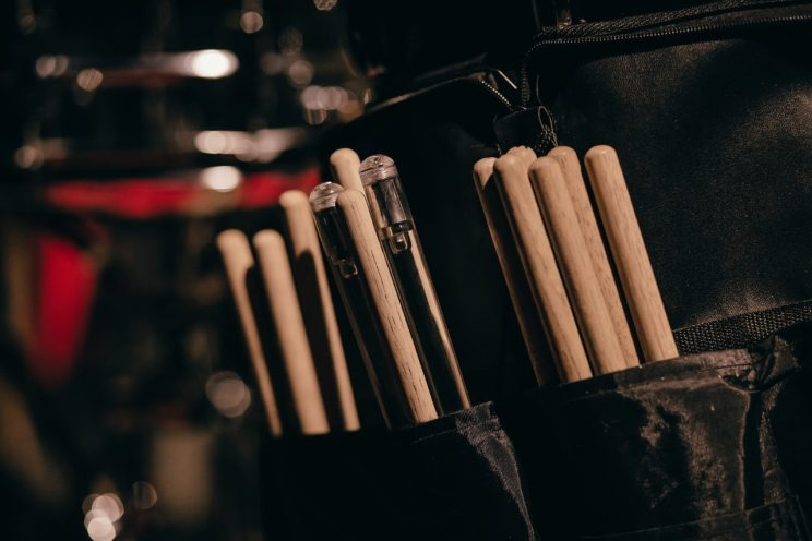 how-to-hold-drumsticks