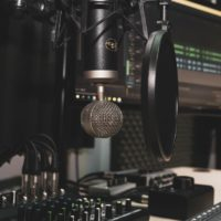10 Essential Items To Set Up a Home Recording Studio